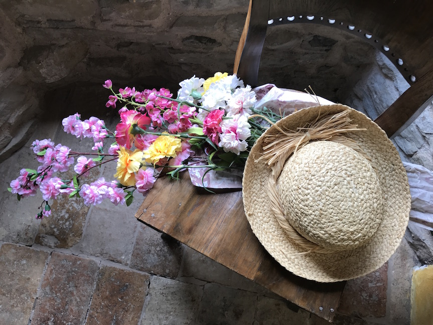 chair castle france carnations hat IMG_5864