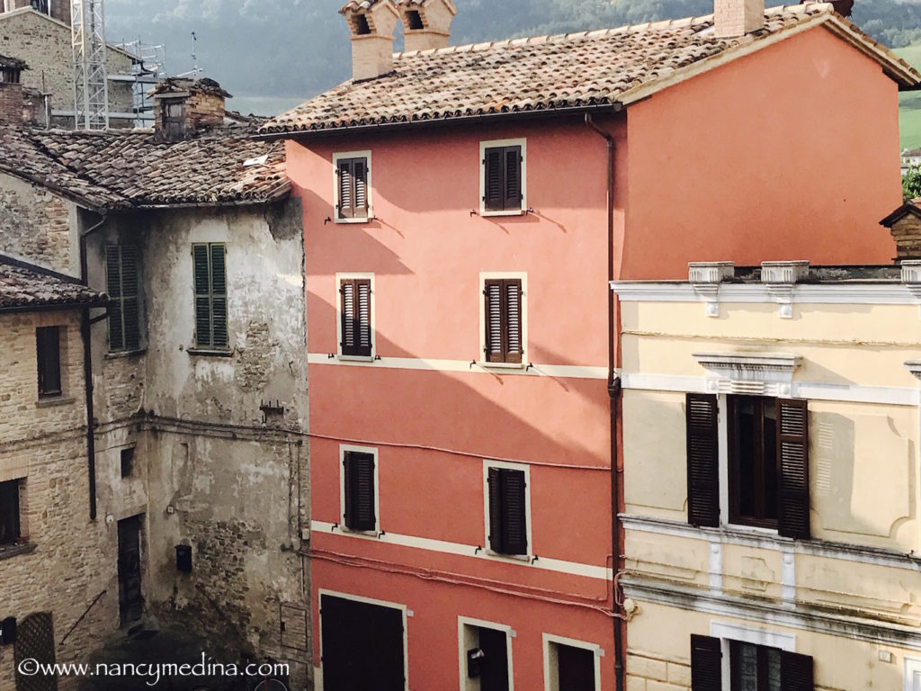 A little orange house in Italy!