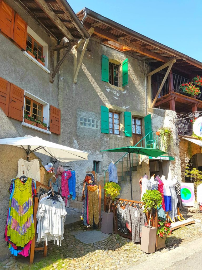 FRENCH ALPS SHOPS